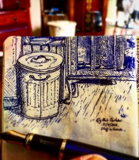 198/365 Still life in the corner of the local barbers. Fountain pen. 20mins. Notebook: Beto. 💇♂️ ✂️ ✒️ 📓